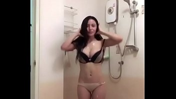 indo tube porn Indian mature housewife saree and blouse teasing in camsearch some porn