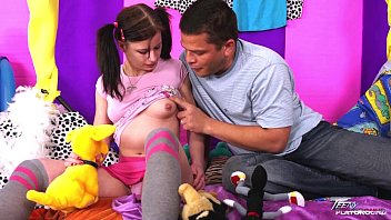 lets her wife look skirt you up Pregnant open pusy
