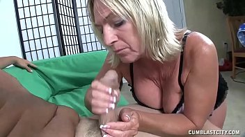 facial mature milf get College couple having sex on a hidden camera
