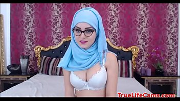 muslim bhabhi change an video nkab only indian dress Forced with vibrator at office while working