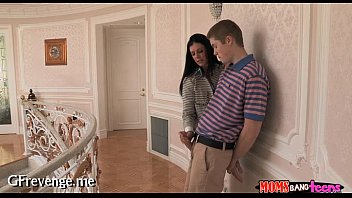young son women and Rocco pov linda e2