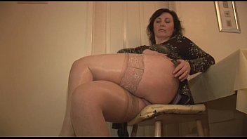 stockings lady in mature games lesbian and friend play british Pete a un pendejo