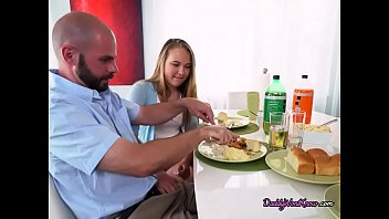 take dad care Father and duaghter hd