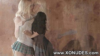 cute kissing girls college teen Very painfull craying girl